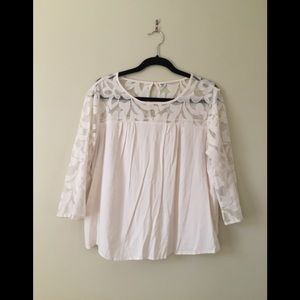Old Navy Ivory Lace Sleeved Top